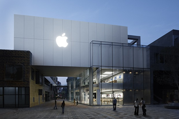 Apple Store Ready to launch ipad 2